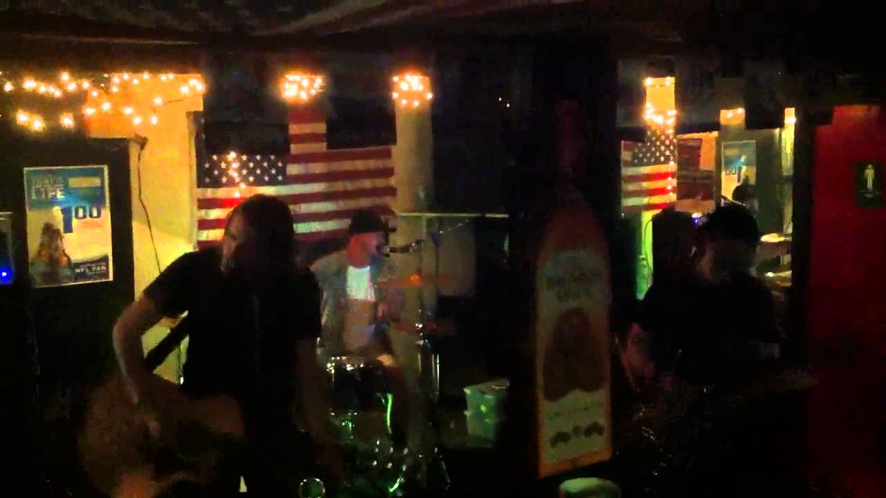 FRAMING THE RED-Country Band Man - YouTube