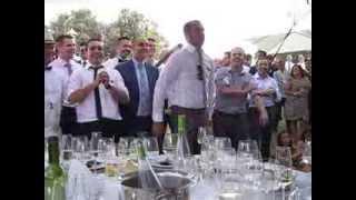 Los water closet y las sospechosas en la boda de Gafas y Cristina
