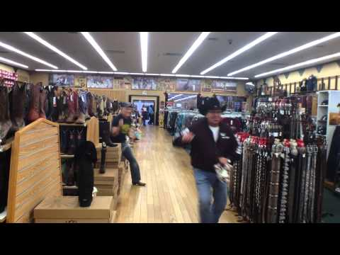 NFR Rodeo & The Boot Barn Will Roberts Cowboy Feature Reporter Looking To Find Better Duds!