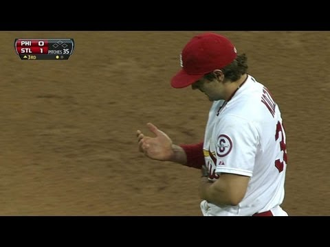 Kozma dives for spectacular catch at short