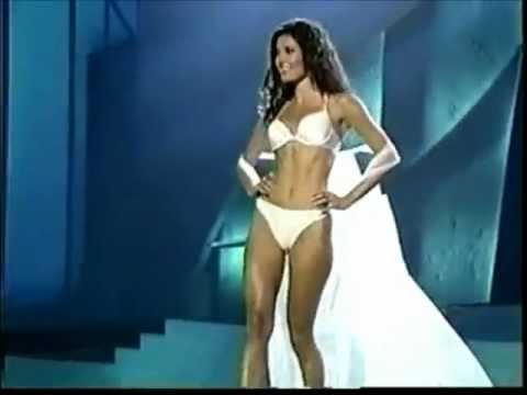 Justien Pasek ( Panama ) Miss Universe 2002 ( Replacement ) - Swimsuit Competition