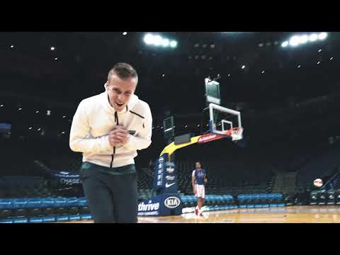 Tommy Thompson trick shots with the Harlem Globetrotters