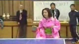 四元奈生美かわいい浴衣姿で温泉スリッパ卓球大会