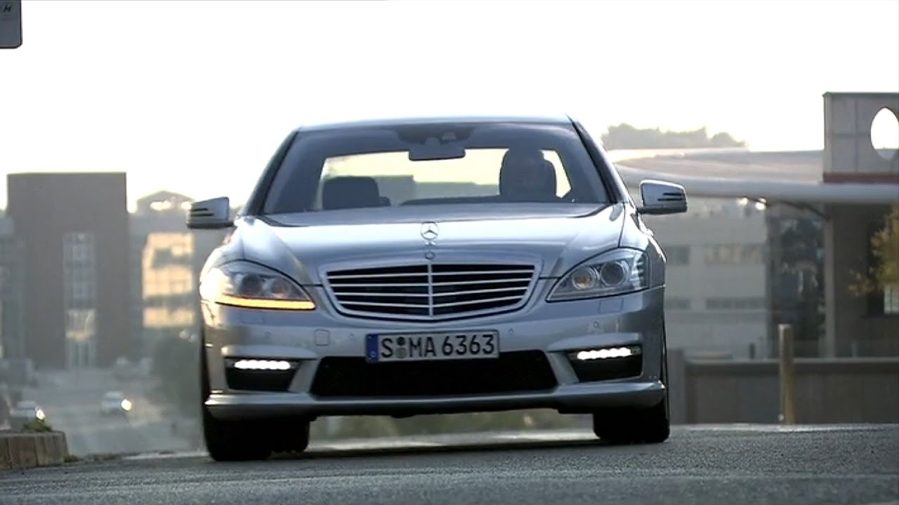 2010 mercedes benz s63 amg s 65 amg youtube for Mercedes benz s63 amg 2010
