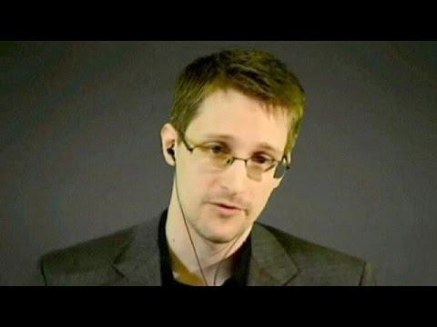 Сноуден просит убежища в нейтральной Швейцарии
