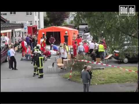 Menden - Auto Rast In Schützen-Umzug - 2 Tote, Viele Verletzte