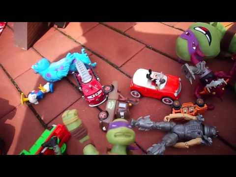 Video Games Action Figures Blenko. Flea Market Garage Yard Estate Sale Finds Pick-Ups - 9/3/16