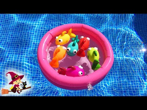 🐟 Juguetes de Piscina 🐠 Jugamos a Pescar Pesecitos y Aprendemos Colores