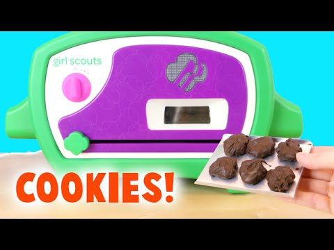 Girl Scouts Cookie Oven - Making Thin Mint Chocolate ...