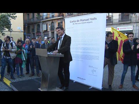 Manifestantes boicotean un acto de Valls en Barcelona e sae escoltado