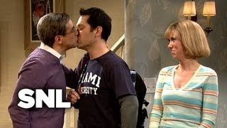 Kissing Family: Austin Brings His Roommate Home from College - SNL