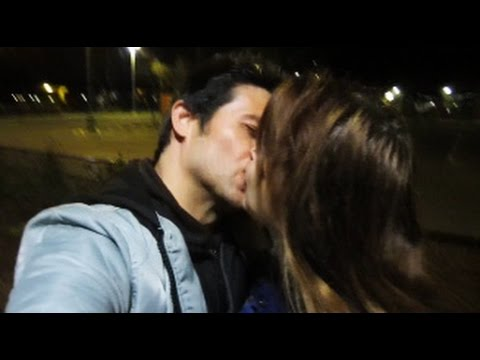 STUDENT FAILS TO KISS CLOSE & GETS REJECTED!!! WHAT WENT WRONG?!? M* EXPLAINS ( INFIELD KISS CLOSE )