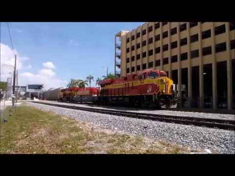 GE ES44C4 #822 Leads Florida East Coast 109 Southbound in Fort Lauderdale