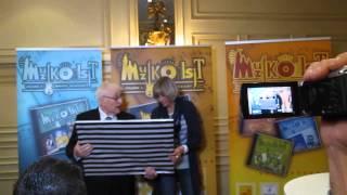 MuzikOilsjt Volume 5 - Kamiel Sergant ontvangt cheque opbrengst