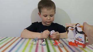Пингвины Мадагаскар Киндер сюрприз игрушки распаковка Kinder surprise Penguins eggs toys