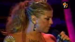 Fergie freestyle- amazing performance