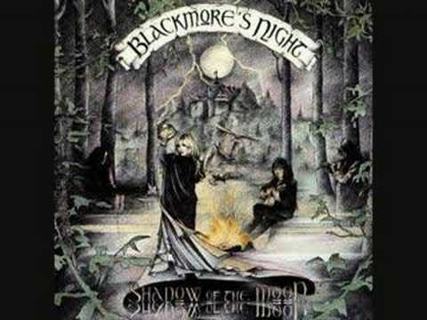 Blackmore s night minstrels in the hall