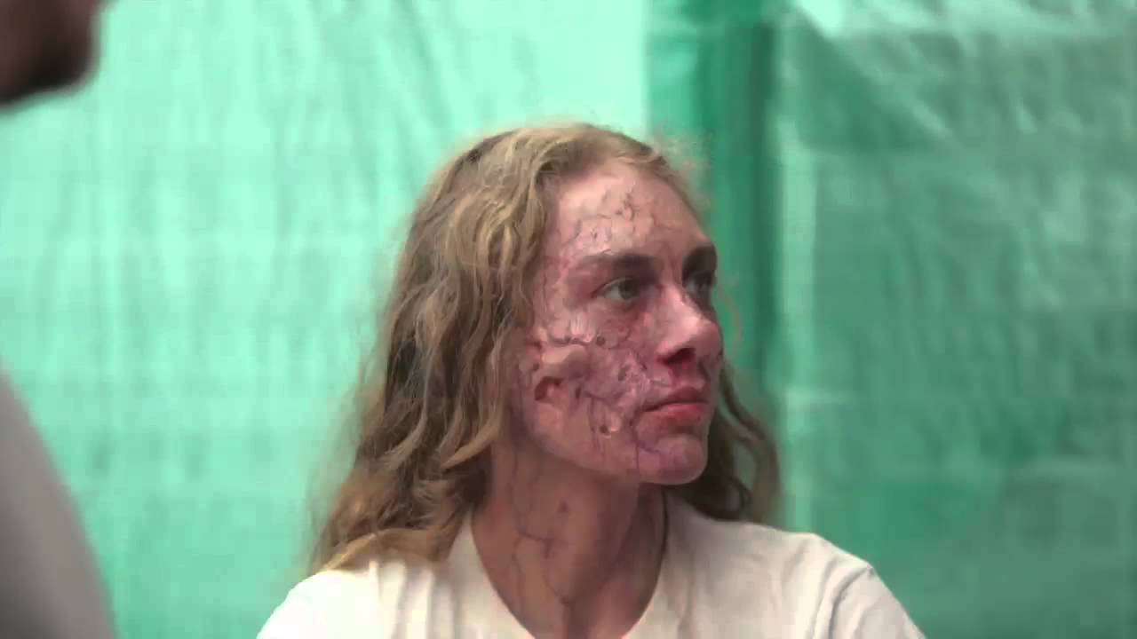 Becoming a zombie thanks to makeup artist Jason Collins