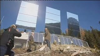 Repeat youtube video Giant mirrors shed sunlight in the winter months on the Norwegian town of Rjukan - hi-tech
