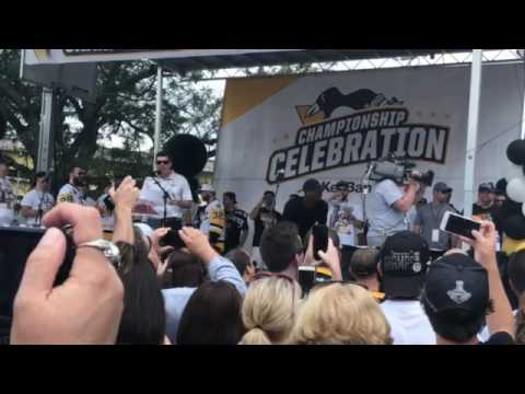 Pittsburgh Penguins introduced at Stanley Cup Parade