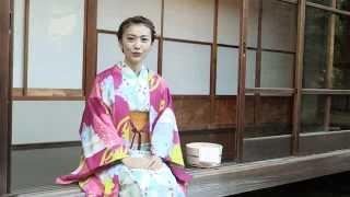 """東京ウォーカー1月6日(火)発売号の表紙を飾った大島優子が語る""""温泉の楽しみ方""""とは?表紙撮影のメイキング映像をご覧あれ。「温泉に行くのは年に4、5回ぐらい。"""