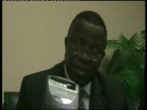 CRTV broadcast the seizure of parrots in Douala.wmv