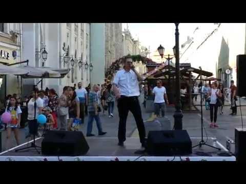 Всеволод Морозов - Качается вагон (Московское мороженое) Никольская ул - 2016