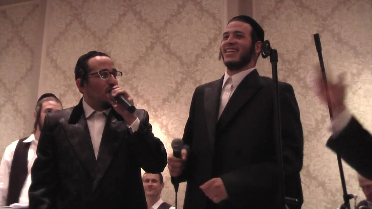"Motty Ilowitz singing  ""Yisroel Beyachad"""