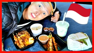 TRYING INDONESIAN FOOD!