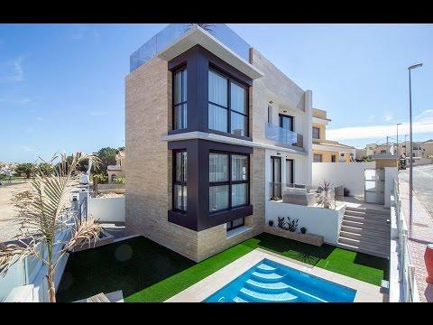 Villa with private swimming pool in Orihuela Costa