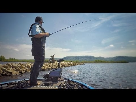 How to Fish the Mississippi River to Win BIG MONEY!