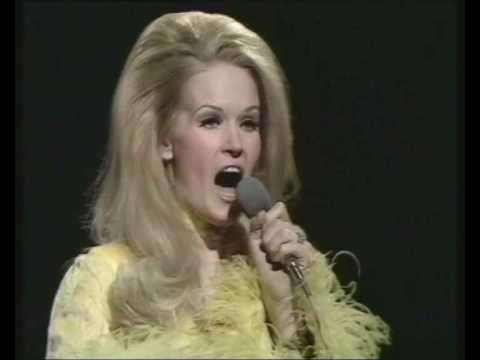 Mix - Lynn Anderson - I Beg Your Pardon, I Never Promised You A Rose Garden (BBC Top Of The Pops)