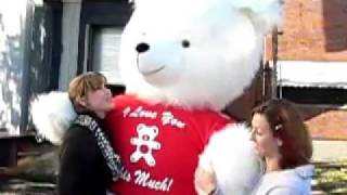 biggest teddy bear in the world 8 feet tall wears i love you this much t shirt made in usa