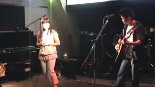 2人 Lyrics by Chiharu and Kazuki Composed by Kazuki 出逢った日から どこか似てると そう思えるコトが嬉しくて... いつもキミのコトばかり 「認めたくない...」 強がりな私 ...