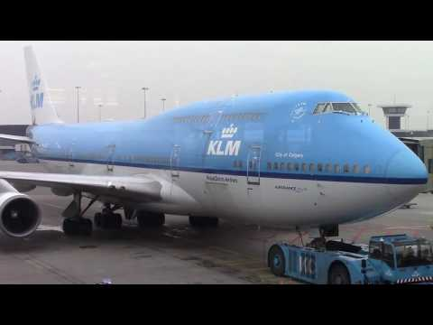 "KLM 747-400 ""City of Calgary"" Amsterdam to Chicago (Take off and Landing)"