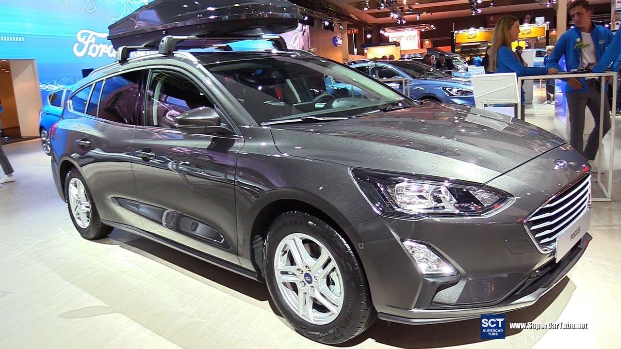 Ford Focus tại triển lãm xe hơi