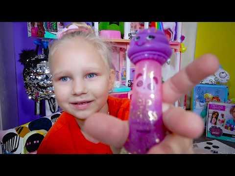 Алиса открывает КЛАССНЫЙ НАБОР с Детской Косметикой !!! Kids Playset
