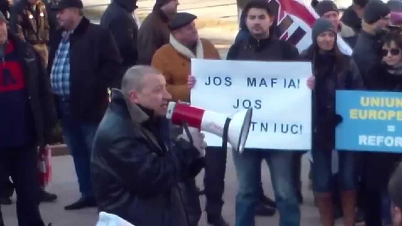 JOS MAFIA! Protest la Parlament contra guvernului Gaburici