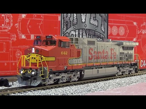 ScaleTrains Rivet Counter Ho Scale Santa Fe C44-9W W/DCC & ESU Review! 9/26/19