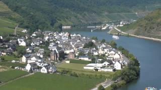 Schöner Ausblick von der Burg Metternich bei Beilstein / Mosel