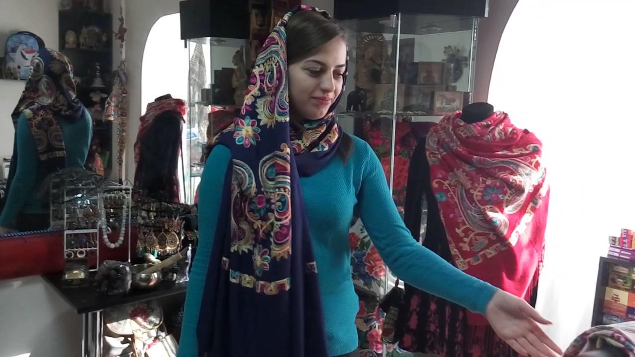 В интернет магазине aizel. Ru можно купить брендовые женские шарфы и платки. Действует доставка по москве и россии!