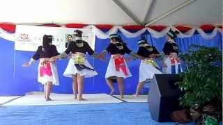 Ntxhais Kaj Siab Dance 1 at Oroville NY '12