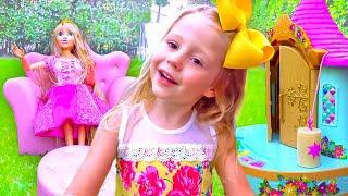 Nastya und eine lustige Geschichte über Make-up und Spielzeug für Mädchen