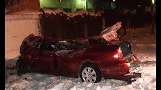 В Ельце «БМВ» врезалась в кирпичное здание: все кто находился в машине, погибли