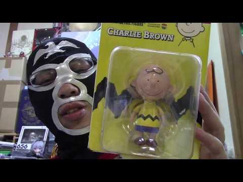 ヲタクのレビュー 本日は嫁が購入してきたメディコムトイのUDF CHARLIE BROWNを紹介します