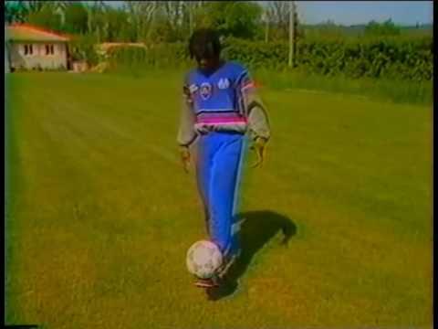 Abedi Pelé (OM) a l'entrainement
