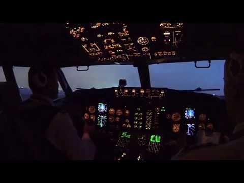Boeing 737 Classic - UN 006 (LED - DME)