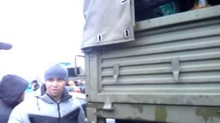 Часть 22   В городе Ровеньки, Луганской обл  было задержано 3 Камаза с военными и оружием  13 04 201(13.04.2014 При въезде в город Ровеньки, Луганской области была задержана колона из 3-х военный камазов, Местными..., 2014-04-13T20:43:04.000Z)