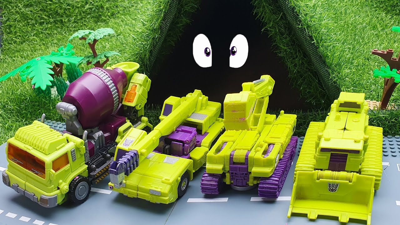 Devastator Transformers Excavator, truck, cranes Cars vs Massive Potholes in the cave!