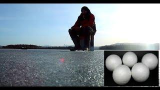 НЕ ЗРЯ ВЗЯЛ ПЕНОПЛАСТ НА РЫБАЛКУ!!! Рыбалка по последнему льду.  Активный клев плотвы. РЫБАЛКА 2020.
